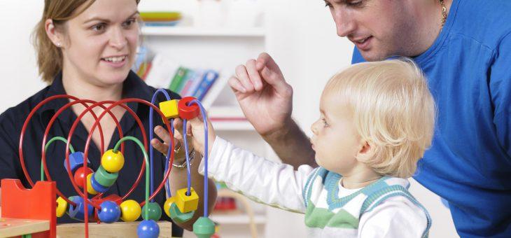 Consulta, decisione storica: sì al cognome della madre ai figli.